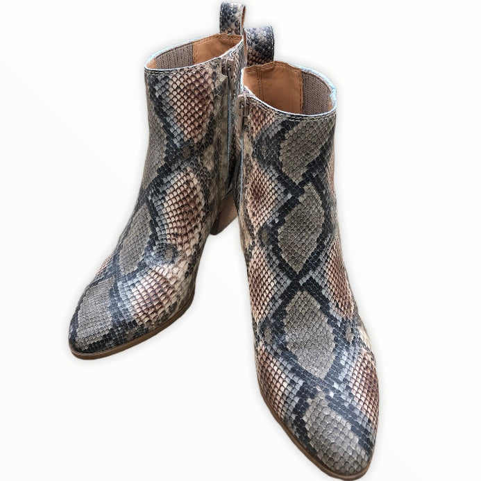 Primary Photo - BRAND: FRYE <BR>STYLE: BOOTS ANKLE <BR>COLOR: SNAKESKIN PRINT <BR>SIZE: 8 <BR>SKU: 220-220138-26776