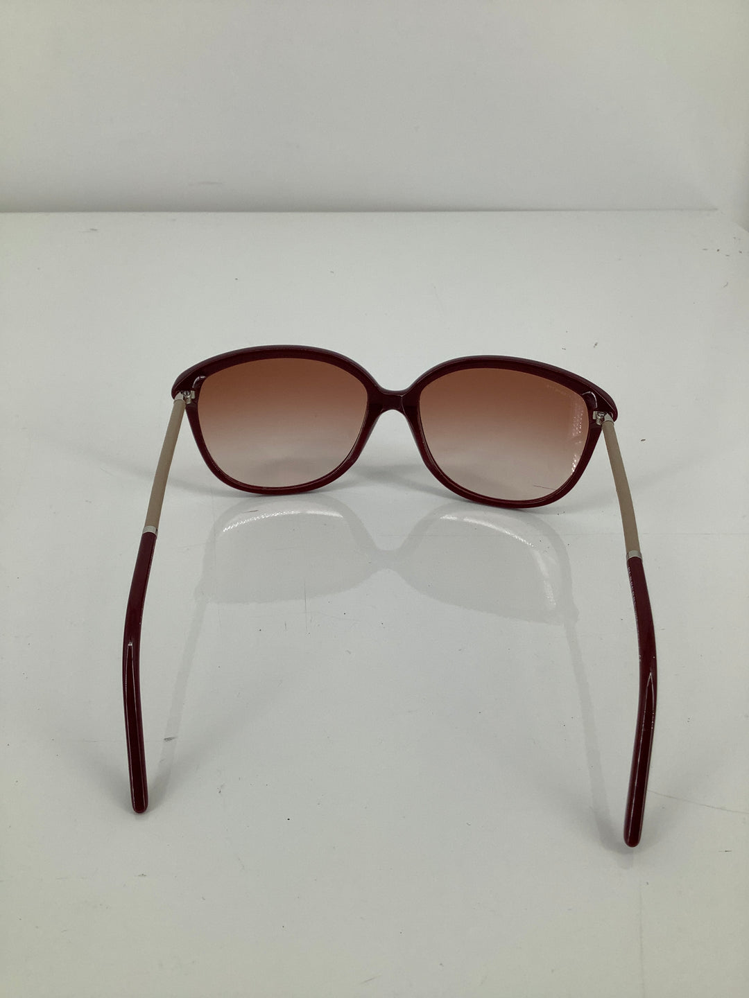 Photo #3 - brand: burberry , style: sunglasses , color: maroon , sku: 105-5184-5892