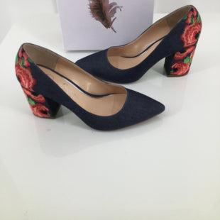 Jessica Simpson Shoes High Heel Size:6.5 - <P>GREAT JESSICA SIMPSON DENIM HIGH HEEL SHOES WITH BEAUTIFUL RED FLORAL TRIM ON THE BACK.  SIZE 6.5</P>