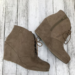 Primary Photo - BRAND: MERONA , STYLE: BOOTS ANKLE , COLOR: TAUPE , SIZE: 7.5 , SKU: 105-3752-28158