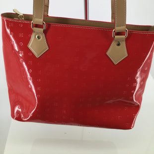 handbag - <P>STRIKING RED ARCADIA PURSE.  CAMEL COLORED STRAPS AND INTERIOR.  ZIPPER AND OTHER HARDWARE IS GOLD.  INTERIOR IS IN EXCELLENT CONDITION. MINOR CONDITION ON EXTERIOR IS FEATURED IN PICTURE.</P>