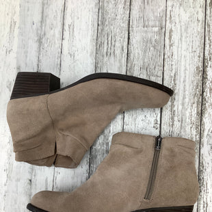 Primary Photo - BRAND: JESSICA SIMPSON , STYLE: BOOTS ANKLE , COLOR: TAUPE , SIZE: 9.5 , SKU: 105-4940-1997