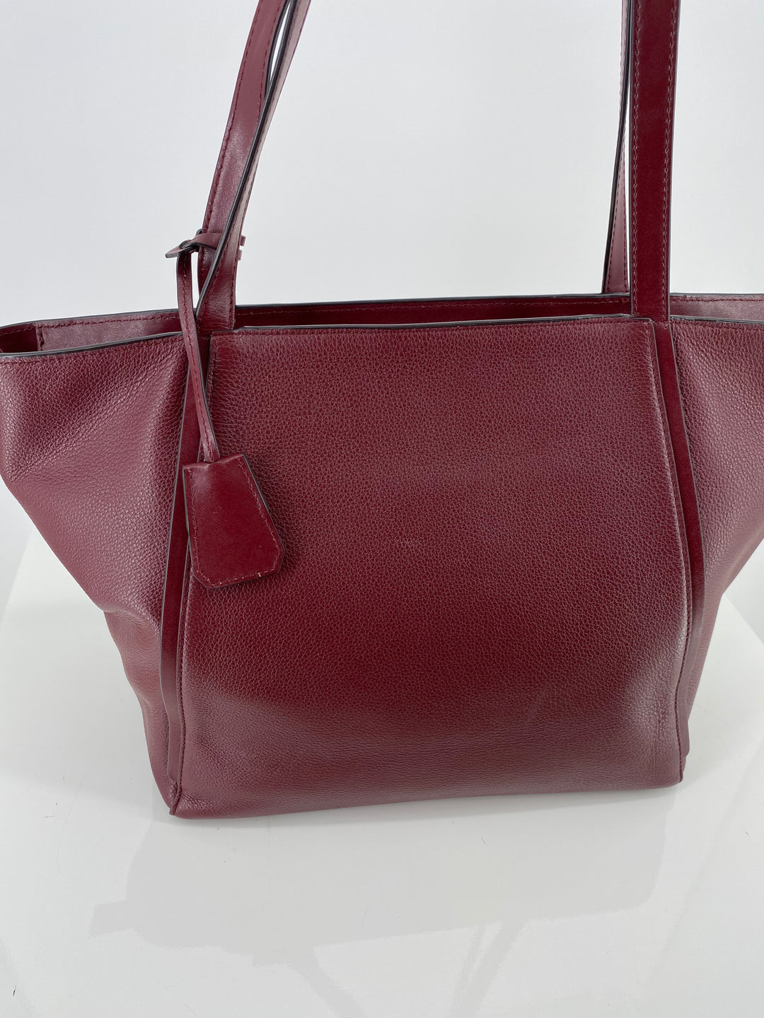 Photo #2 - BRAND: MICHAEL KORS , STYLE: HANDBAG DESIGNER , COLOR: BURGUNDY , SIZE: LARGE , OTHER INFO: AS IS DUE TO COSMETIC WEAR. AS SEEN IN PICTURES, SKU: 105-3752-29907