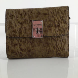 ACCESSORIES,PURSES AND HANDBAGS - <P>TRI- FOLD WALLET IN A TEXTURED BROWN. ,  12 CREDIT CARD SLOTS INSIDE ,  2 LARGE POCKETS RUNNING THE LENGTH OF THE WALLET.,  ZIPPER COMPARTMENT OUTSIDE BACK. ,  SNAP CLOSURE.,  CARE CARDS AND BRAND STORY INCLUDED</P>