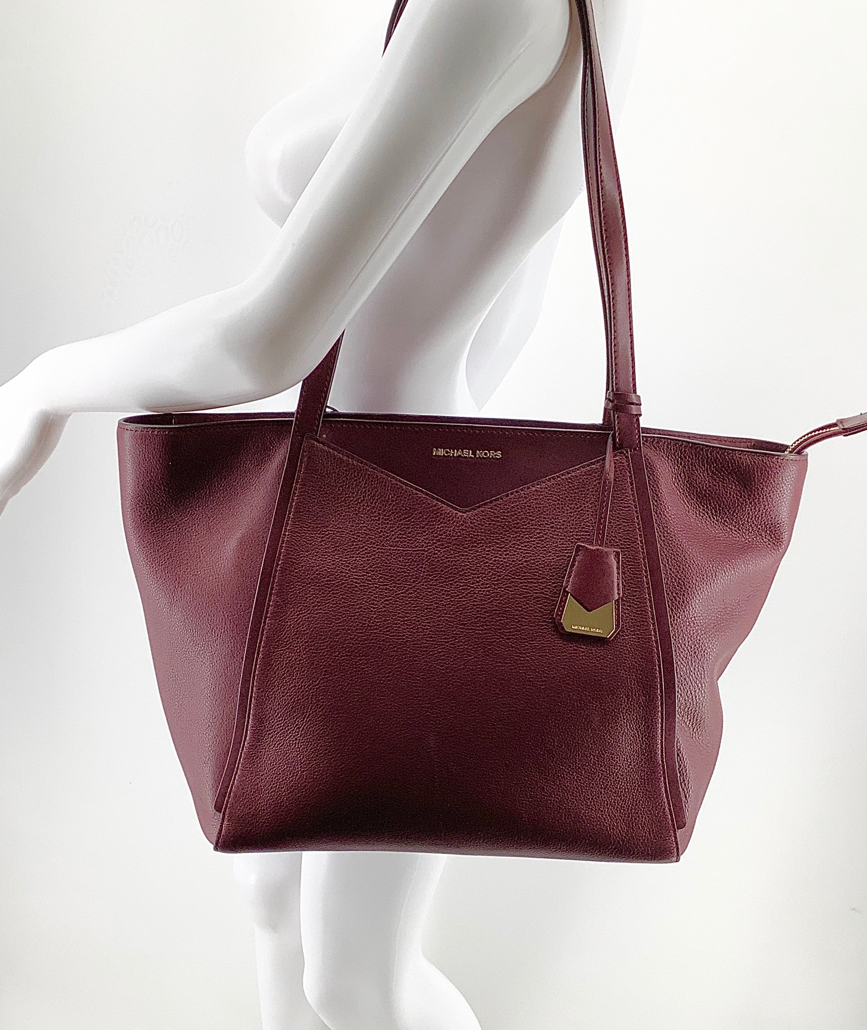 Primary Photo - BRAND: MICHAEL KORS , STYLE: HANDBAG DESIGNER , COLOR: BURGUNDY , SIZE: LARGE , OTHER INFO: AS IS DUE TO COSMETIC WEAR. AS SEEN IN PICTURES, SKU: 105-3752-29907