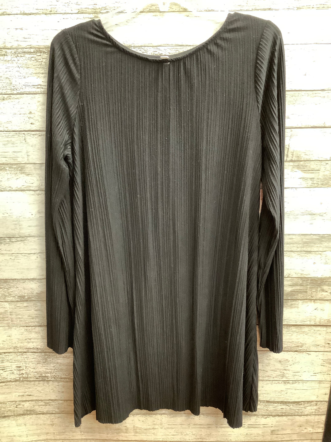 Primary Photo - brand: xhilaration , style: tunic long sleeve , color: black , size: m , sku: 105-3221-17692