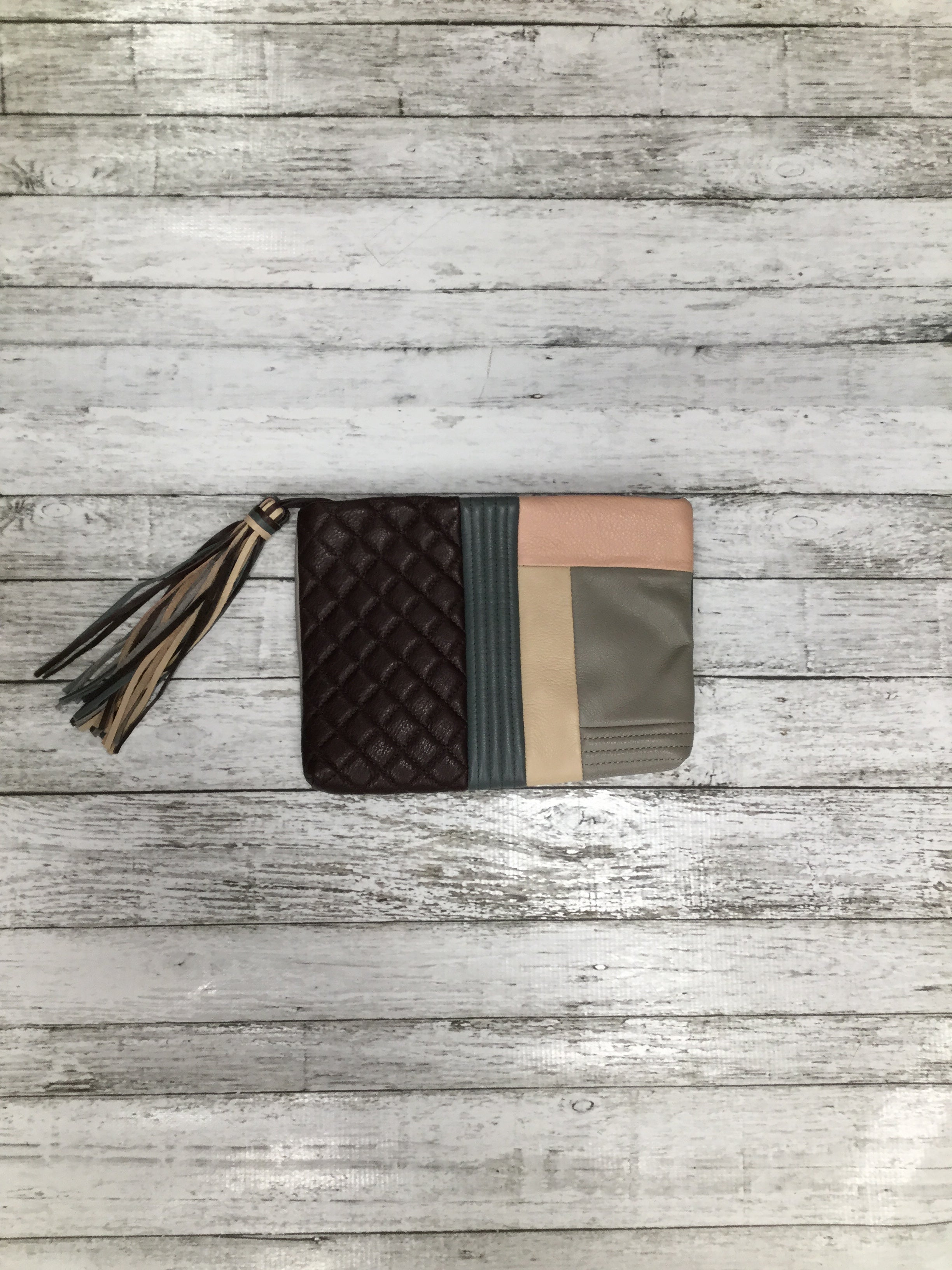 Primary Photo - BRAND:  CMB , STYLE: CLUTCH , COLOR: MULTI , OTHER INFO: MARGOT CLUTCH - , SKU: 105-3221-8652