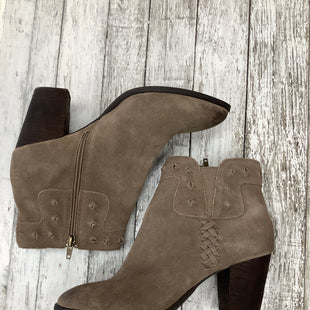 Primary Photo - BRAND: DOLCE VITA , STYLE: BOOTS ANKLE , COLOR: TAUPE , SIZE: 9.5 , SKU: 105-3752-19445