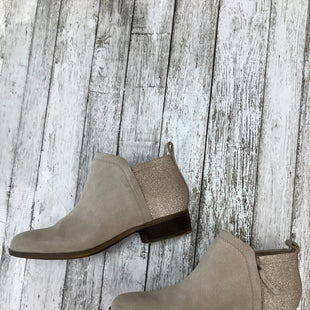 Primary Photo - BRAND: TOMS , STYLE: BOOTS ANKLE , COLOR: TAUPE , SIZE: 9 , SKU: 105-4940-4088