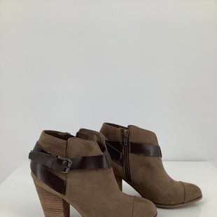 Primary Photo - BRAND: CARLOS SANTANA , STYLE: BOOTS ANKLE , COLOR: TAUPE , SIZE: 6 , SKU: 105-3221-14764
