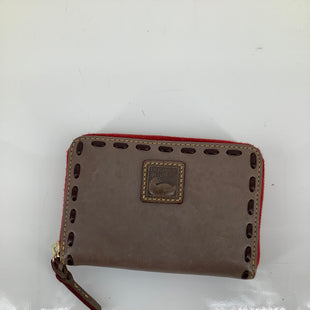 Primary Photo - BRAND: DOONEY AND BOURKE , STYLE: WALLET , COLOR: BEIGE , SIZE: SMALL , SKU: 105-3221-12381