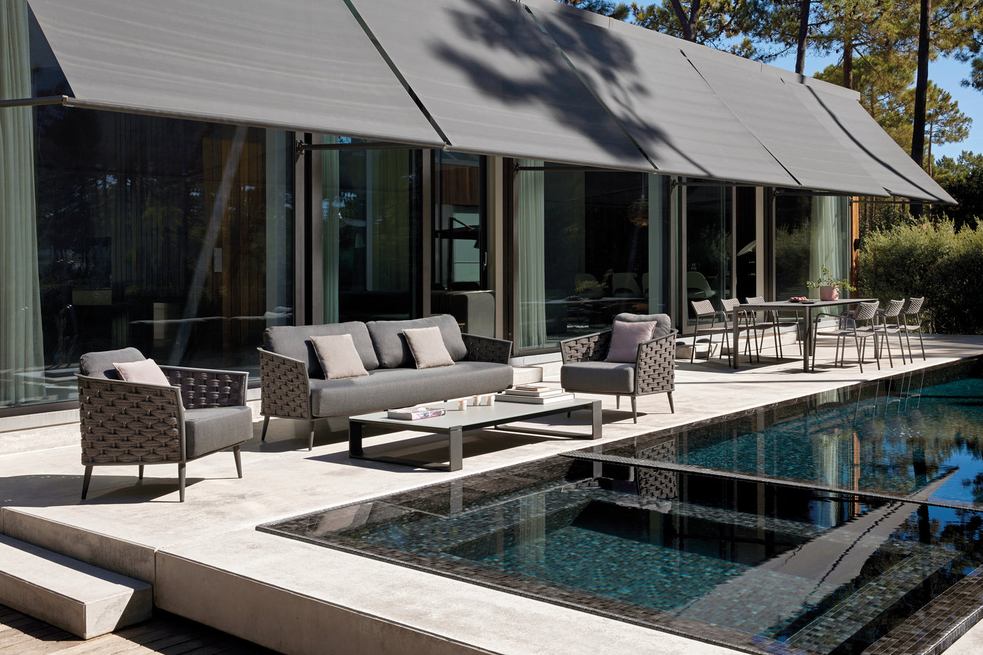 Luxury Manutti Pool furniture