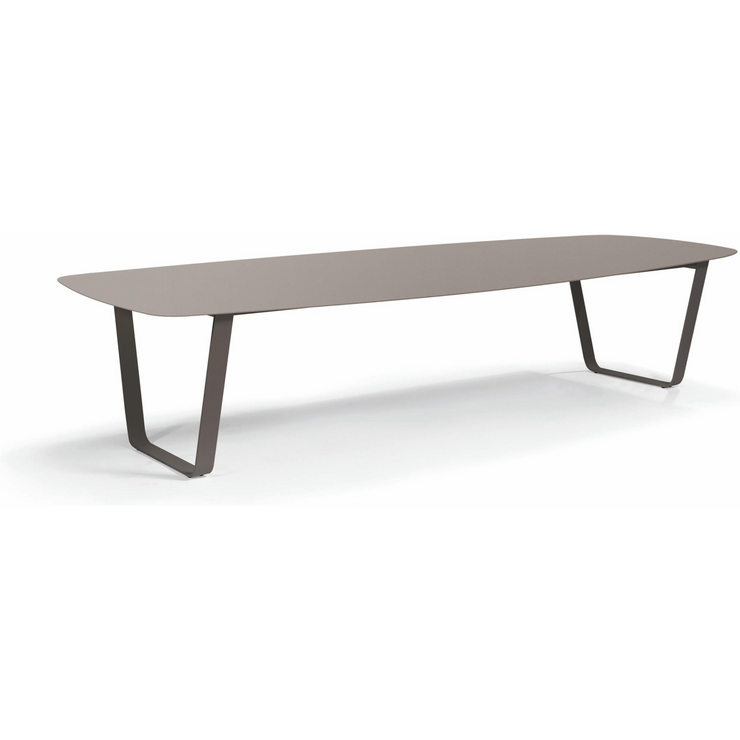 Manutti Air Dining Table 1 Lava