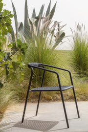 Manutti Duo Chair Lava in garden