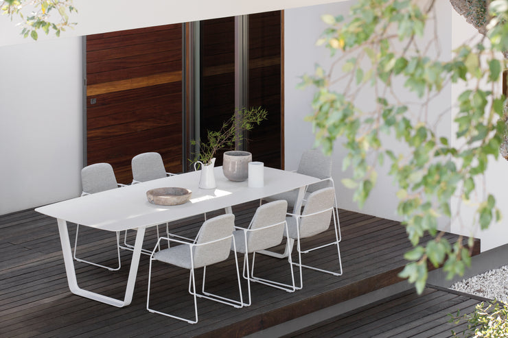Manutti Air Dining Table