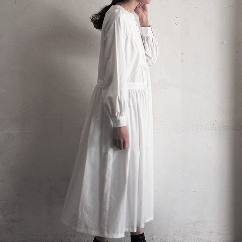 [the last flower of the afternoon]春霞むembroidery yoke dress