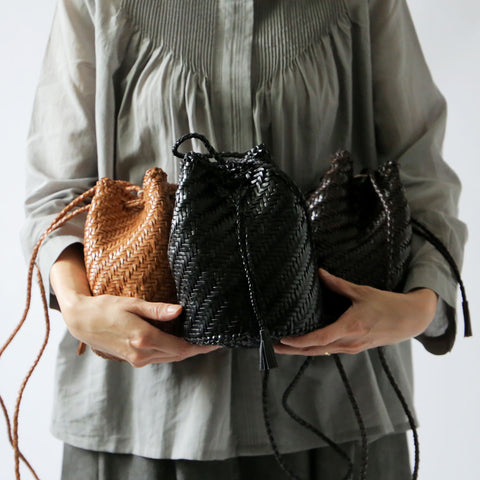 Dragon Diffusion レザーメッシュポシェット(POMPOM DOUBLE BAG)