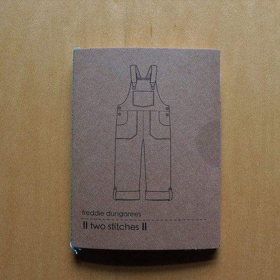 two stitcesパターン「freddie dungarees」