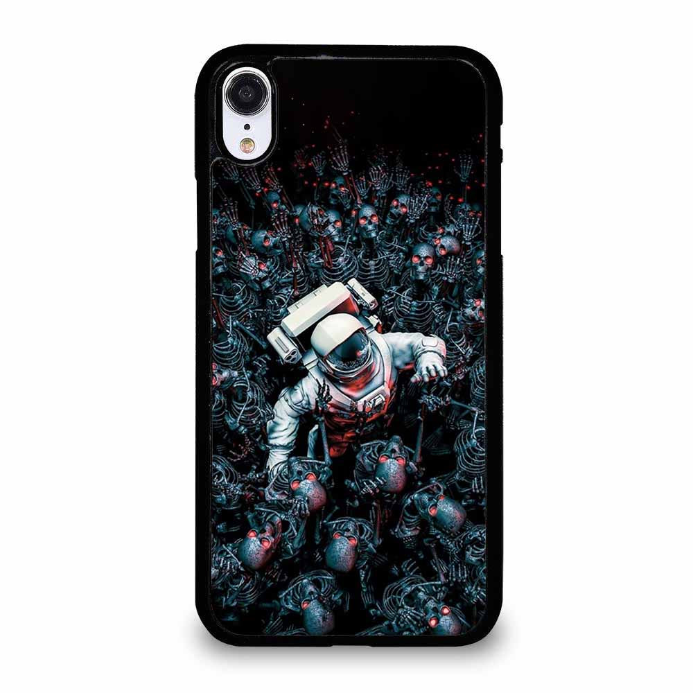 ASTRONOUT VS SKULL iPhone XR Case