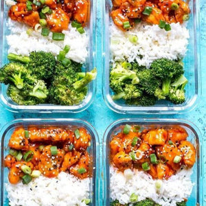 FIT MEAL : Honey sriracha chicken served with steamed rice and broccoli
