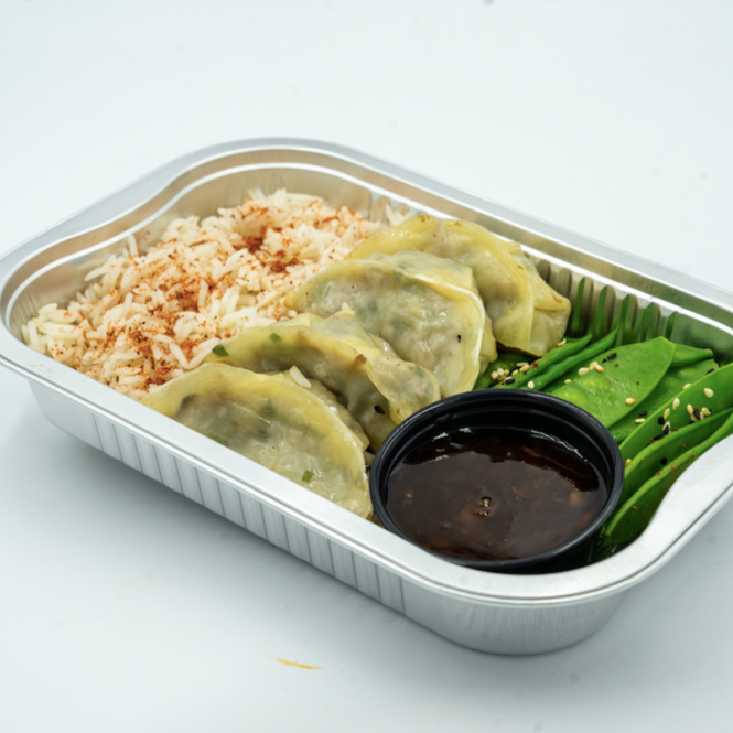 FIT MEAL : Dumplings served with rice and snap peas
