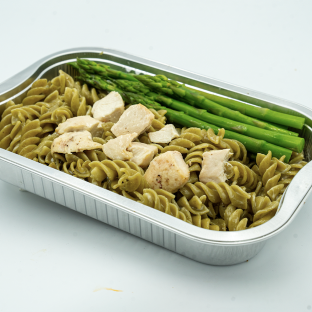 FIT MEAL : Chicken Pasta Dish with Seasonal Green Vegetable