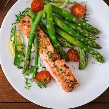 Healthy Grilled Salmon with steamed vegetables and quinoa ( 1 portion)