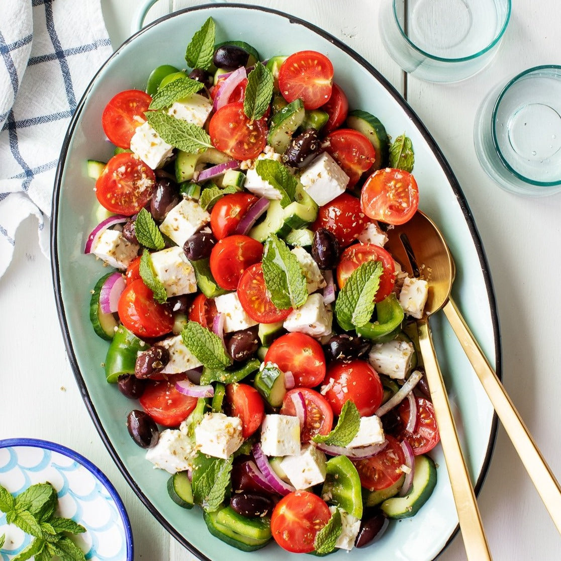 Romaine, feta, olive and tomato salad (2-3 people)