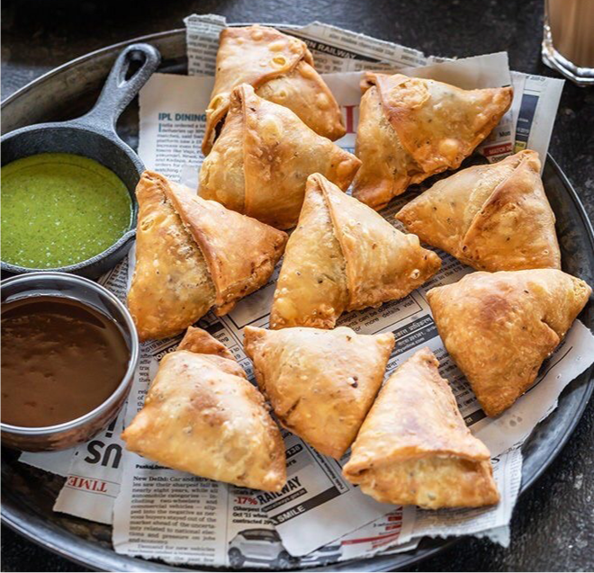 Vegetarian samosa with tamarin dressing (3)