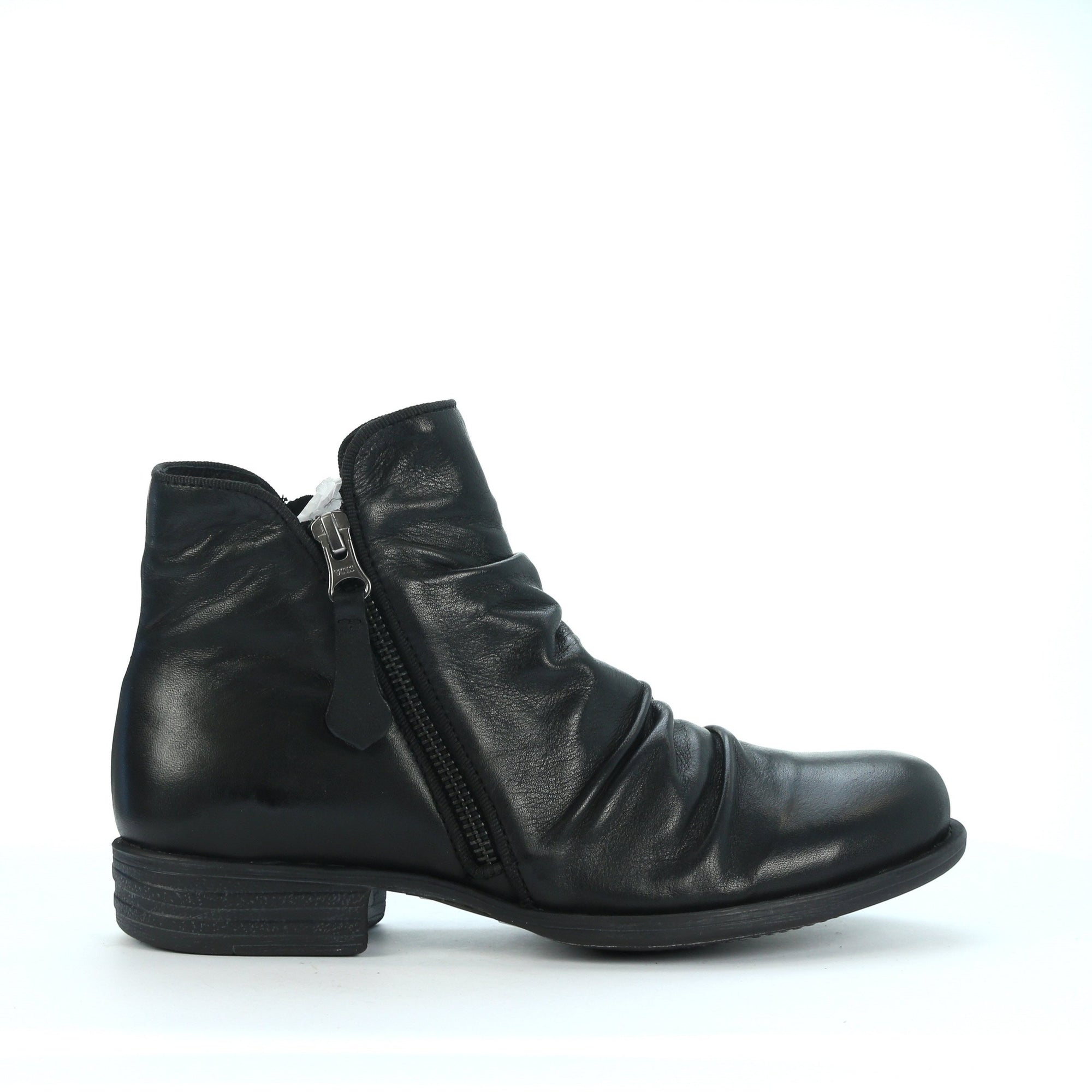 EOS Willet Black Leather