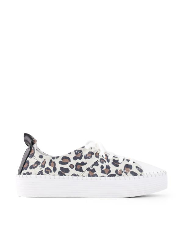 Bueno Sailor White Leopard