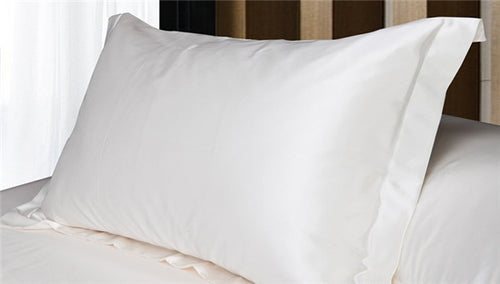 Silk Pillowcase for natural curly hair and smooth skin. Toronto