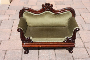 MINIATURE VICTORIAN CHAISE LOUNGE  -  SKU650