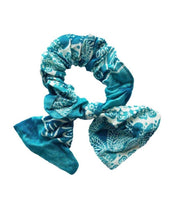 Load image into Gallery viewer, BOW SCRUNCHIES - K&E FASHIONS