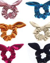 Load image into Gallery viewer, VELVET BOW SCRUNCHIES