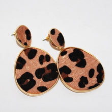 Load image into Gallery viewer, *RESTOCKED* LEOPARD DROP EARRINGS - K&E FASHIONS