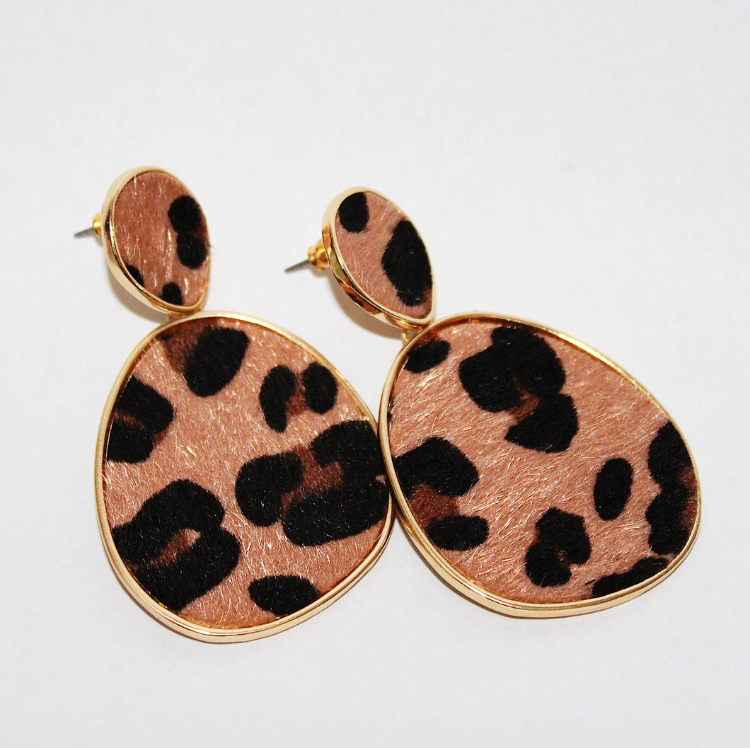 *RESTOCKED* LEOPARD DROP EARRINGS - K&E FASHIONS