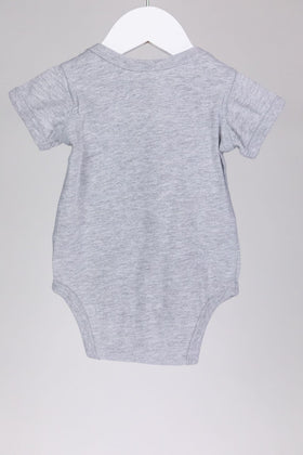 [cries in spanish] Onesie (12M)