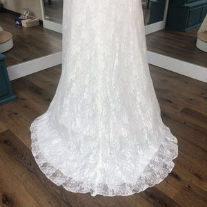 Full Lace with Side Ruching