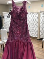 Load image into Gallery viewer, Plum illusion neck beaded long