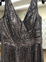 Load image into Gallery viewer, Short silver sequin with v neck and back