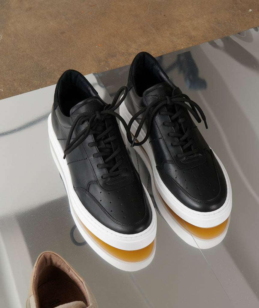 GARMENT PROJECT MAN Legend - Black / White Light Gum Shoes 999 Black