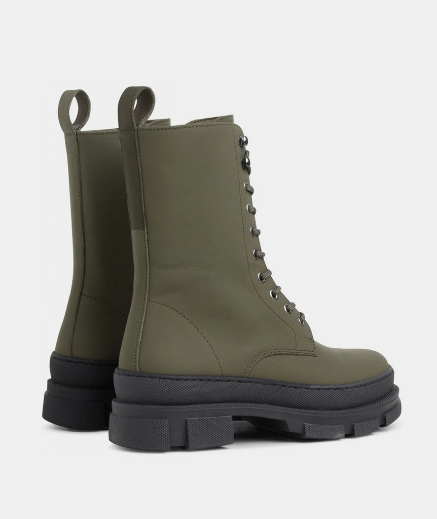 GARMENT PROJECT WMNS Lucy Boot - Army Rubberised Leather Shoes 240 Army