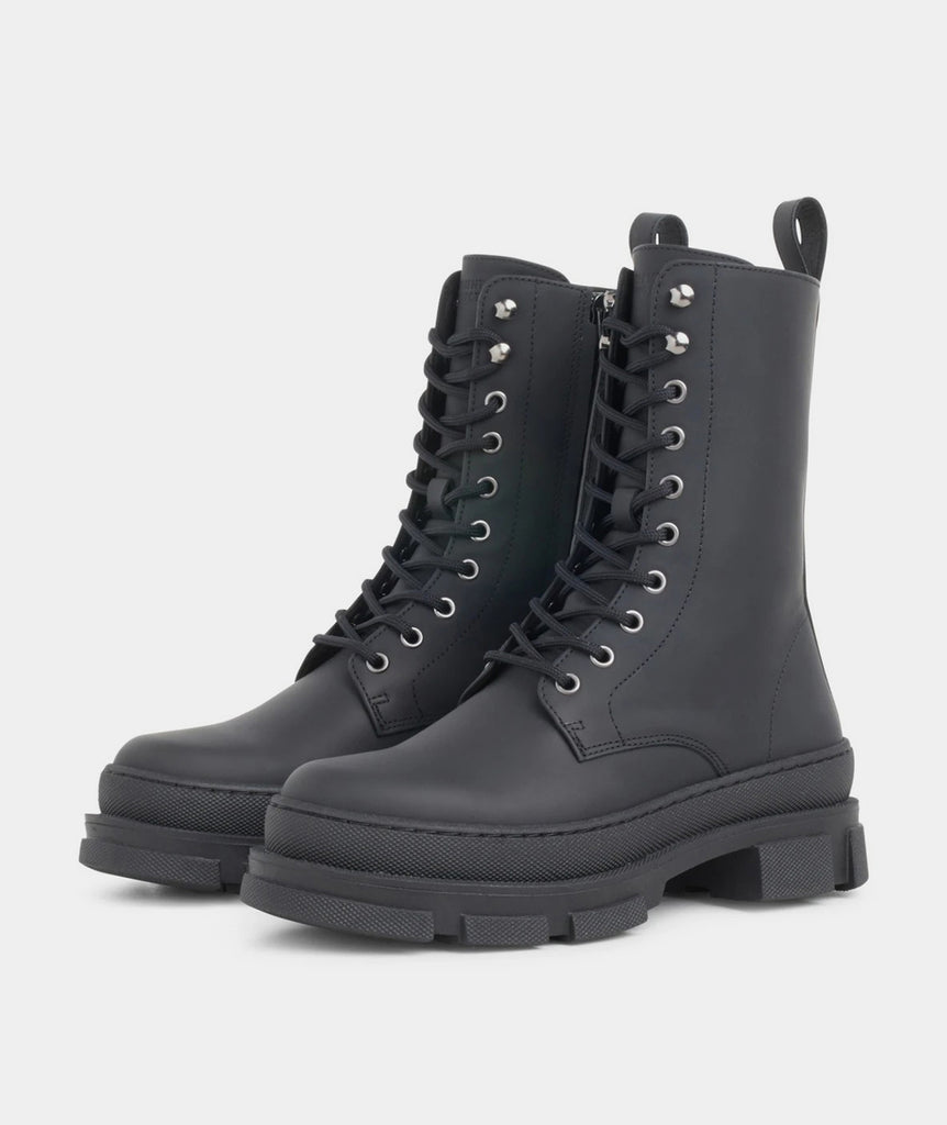 GARMENT PROJECT WMNS Lucy Boot - Black Rubberised Leather Shoes 999 Black