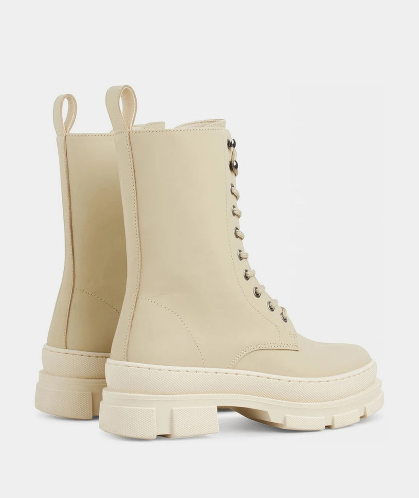 GARMENT PROJECT WMNS Lucy Boot - Off White Rubberised Leather Shoes 110 Off White