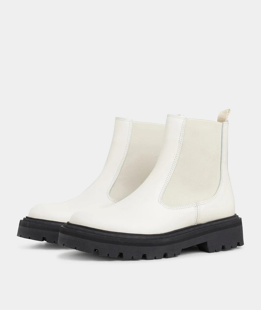 GARMENT PROJECT WMNS Spike Chelsea - Off White Shoes 110 Off White