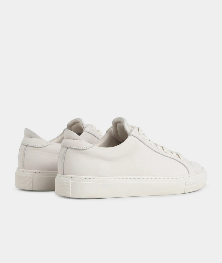 GARMENT PROJECT WMNS Type - Off White Nubuck Sneakers 110 Off White