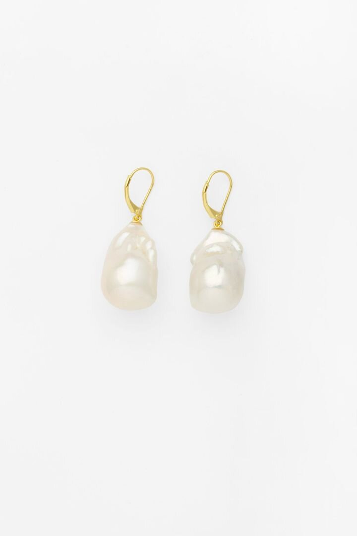 Cocoon Pearl Earrings