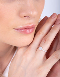 Silver Cubic Zirconia Oval Stone Ring - link has visual effect only