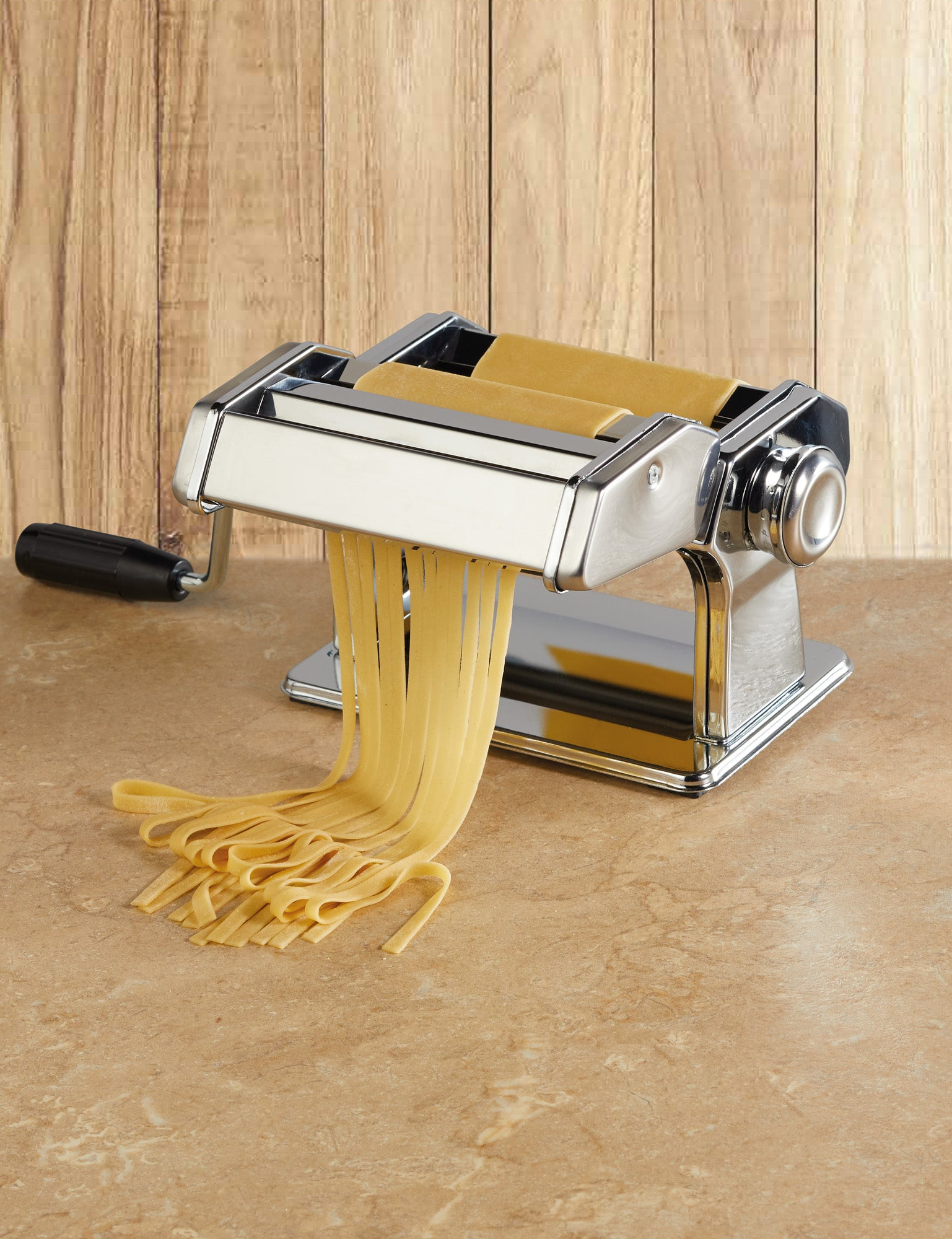 Deluxe Double Cutter Pasta Machine Measures 20 x 34 x 25cm